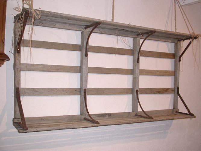 originale etagere en ridelles de charette bois et fer forge jouets anciens en bois. Black Bedroom Furniture Sets. Home Design Ideas